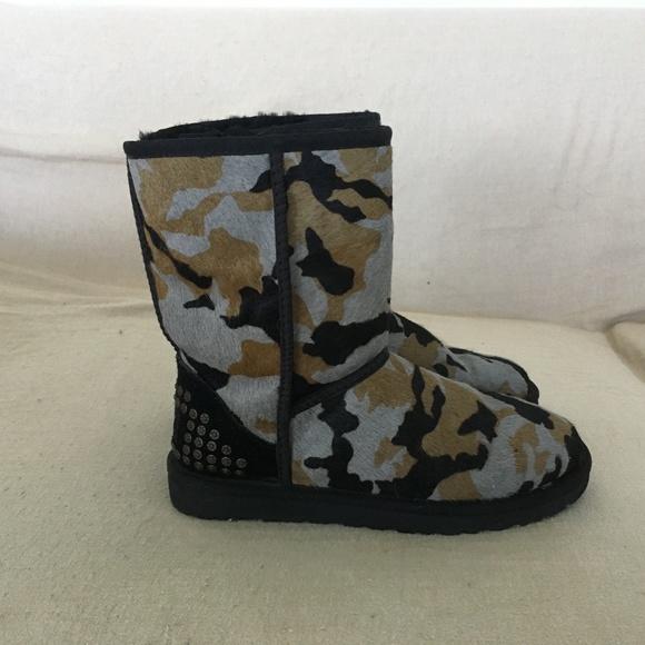 9afe5cf039ef4 UGG Shoes   W Rowland In Black Camo Size 6   Poshmark